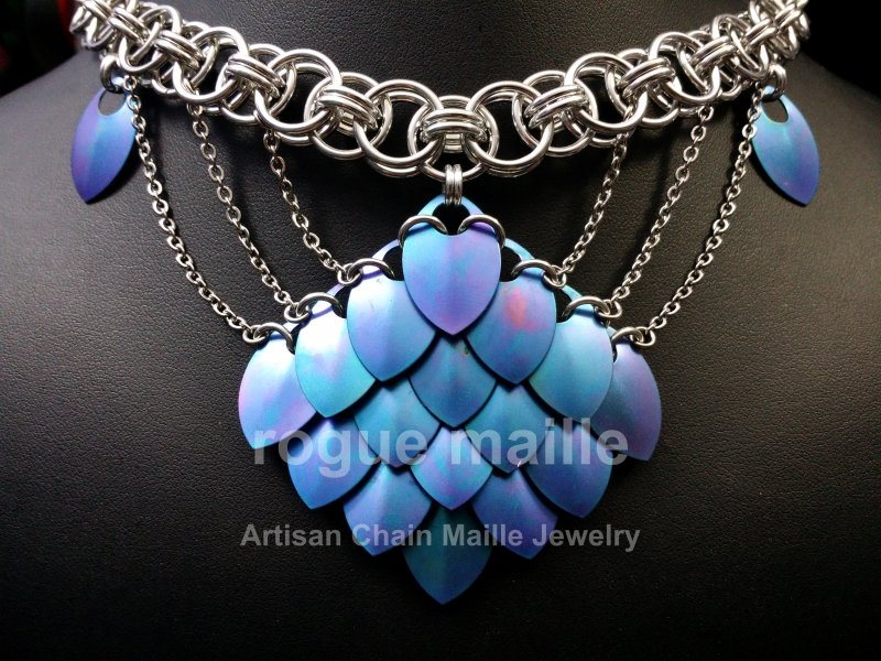 095-Chained Scales Necklace